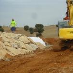alquiler de maquinaria para el tratamiento de escombros con operario